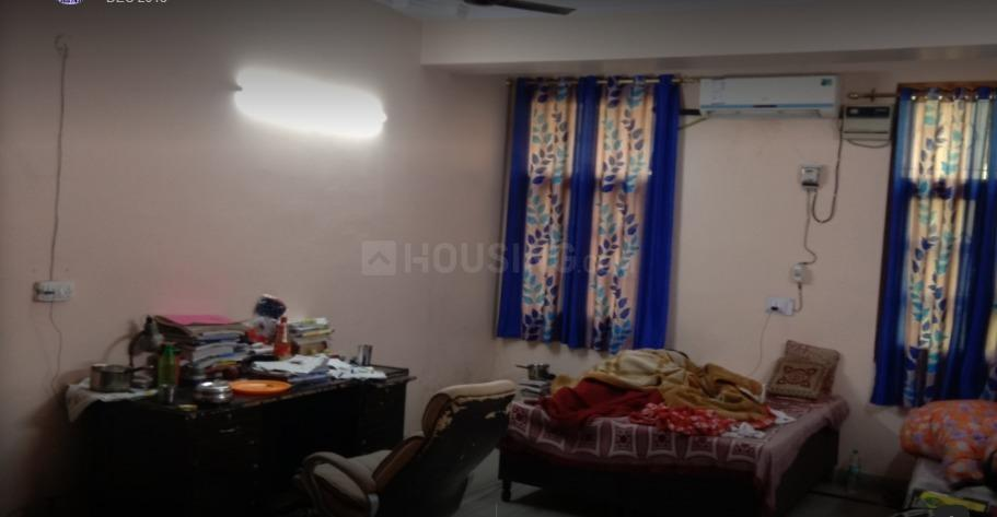 Bedroom Image of Royal PG in New Ashok Nagar