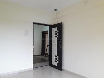 Gallery Cover Image of 670 Sq.ft 1 BHK Apartment for rent in Malad West for 23000