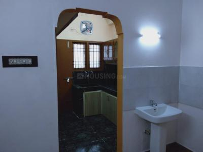 Gallery Cover Image of 1096 Sq.ft 2 BHK Independent Floor for buy in Valasaravakkam for 9500000