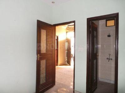 Gallery Cover Image of 1600 Sq.ft 4 BHK Independent Floor for rent in Sector 24 Rohini for 25000
