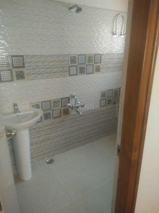 Common Bathroom Image of 2000 Sq.ft 3 BHK Independent Floor for buy in Nagarbhavi for 17500000