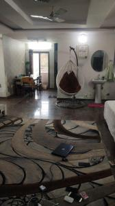 Gallery Cover Image of 1310 Sq.ft 3 BHK Apartment for buy in Mehdipatnam for 5500000