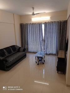 Gallery Cover Image of 1050 Sq.ft 2 BHK Apartment for buy in Veena Velocity, Vasai West for 6700000