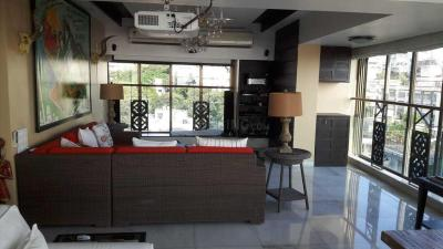 Gallery Cover Image of 3500 Sq.ft 3 BHK Apartment for buy in Bandra West for 245000000