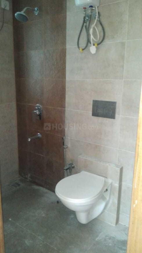 Bathroom Image of 1500 Sq.ft 3 BHK Apartment for rent in Santacruz East for 100000