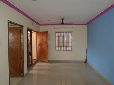 Gallery Cover Image of 1100 Sq.ft 2 BHK Apartment for rent in Thoraipakkam for 14000