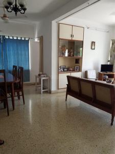 Gallery Cover Image of 1400 Sq.ft 3 BHK Apartment for buy in Kotturpuram for 11500000