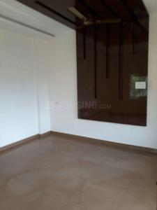 Gallery Cover Image of 2400 Sq.ft 3 BHK Apartment for rent in Mylapore for 60000