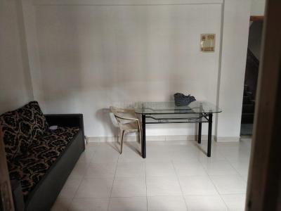 Gallery Cover Image of 750 Sq.ft 2 BHK Apartment for rent in Borivali East for 28000