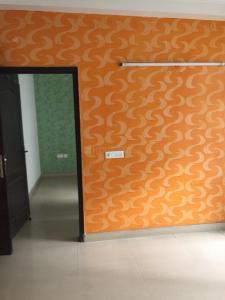 Gallery Cover Image of 2200 Sq.ft 4 BHK Apartment for rent in Mahagun Maestro, Sector 50 for 28000