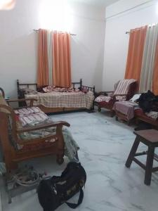 Gallery Cover Image of 550 Sq.ft 1 BHK Independent Floor for rent in Karve Nagar for 13500