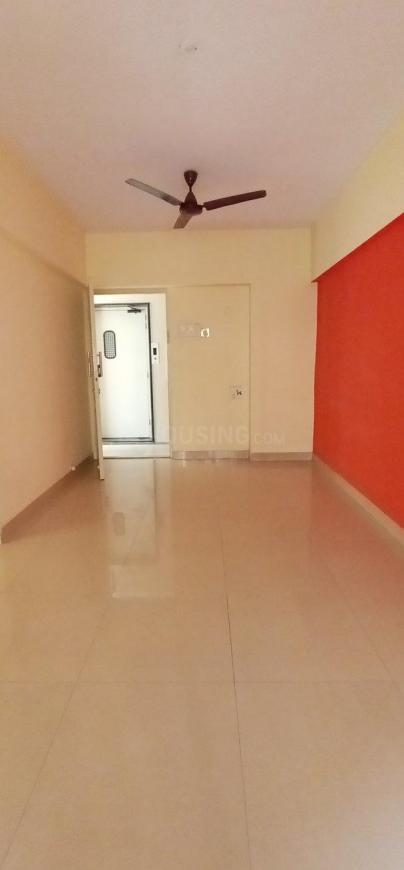 Living Room Image of 580 Sq.ft 1 BHK Apartment for rent in Borivali West for 21000