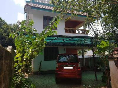 Gallery Cover Image of 1500 Sq.ft 5 BHK Independent House for buy in Thrippunithura for 7000000