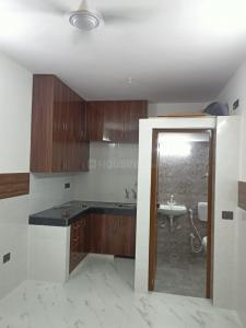 Gallery Cover Image of 250 Sq.ft 1 RK Apartment for rent in Arun Vihar, Sector 76 for 12000