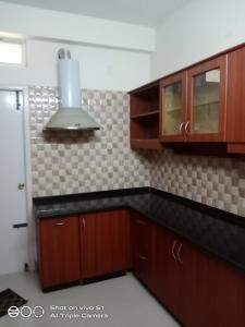 Gallery Cover Image of 1310 Sq.ft 3 BHK Apartment for rent in Velachery for 28000