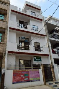 Gallery Cover Image of 900 Sq.ft 3 BHK Independent Floor for rent in Siddharth Vihar for 10000