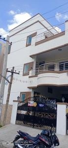 Gallery Cover Image of 2500 Sq.ft 3 BHK Independent House for rent in Madipakkam for 25000