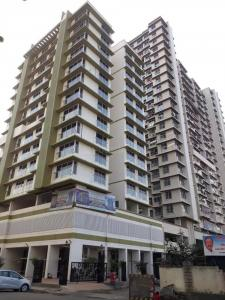 Gallery Cover Image of 1150 Sq.ft 2 BHK Apartment for rent in Kandivali West for 38000