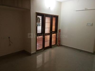 Gallery Cover Image of 890 Sq.ft 2 BHK Apartment for rent in Oliyas Amethyst, Medavakkam for 11000