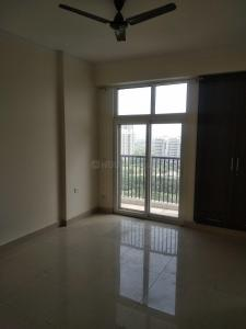 Gallery Cover Image of 2200 Sq.ft 5 BHK Apartment for rent in Amrapali Platinum, Sector 119 for 20000