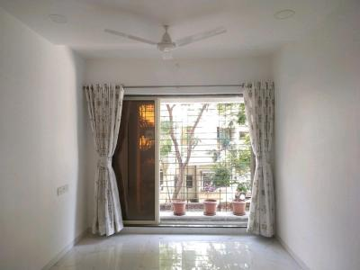 Gallery Cover Image of 674 Sq.ft 1 BHK Apartment for buy in RNA N G Valencia Phase I, Mira Road East for 5300000