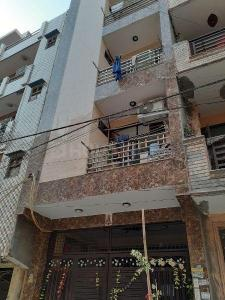 Gallery Cover Image of 400 Sq.ft 1 BHK Independent Floor for rent in Dwarka Mor for 13000