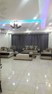 Gallery Cover Image of 1800 Sq.ft 5 BHK Independent Floor for rent in Vasant Kunj for 90000
