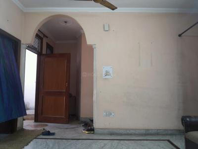 Gallery Cover Image of 1350 Sq.ft 3 BHK Independent Floor for buy in Shakarpur Khas for 6500000