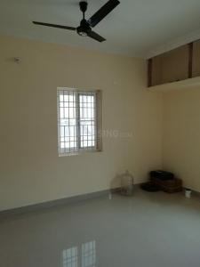 Gallery Cover Image of 650 Sq.ft 2 BHK Villa for rent in Madambakkam for 10000