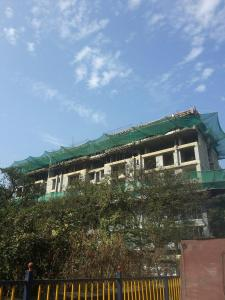 Gallery Cover Image of 950 Sq.ft 2 BHK Apartment for buy in Andheri West for 18000000