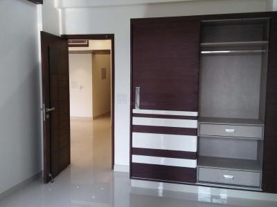Gallery Cover Image of 1700 Sq.ft 3 BHK Apartment for rent in Sector 5 Dwarka for 36000