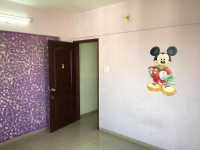 Gallery Cover Image of 900 Sq.ft 2 BHK Apartment for rent in Dhanori for 15000