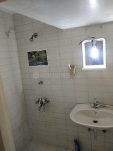 गोरेगांव वेस्ट में पीजी फॉर बॉइज़ इन गोरेगांव में बाथरूम की तस्वीर