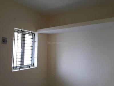 Gallery Cover Image of 845 Sq.ft 2 BHK Apartment for buy in Ambattur for 4100000