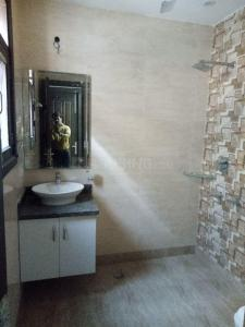 Gallery Cover Image of 1800 Sq.ft 3 BHK Independent Floor for rent in Palam for 50000