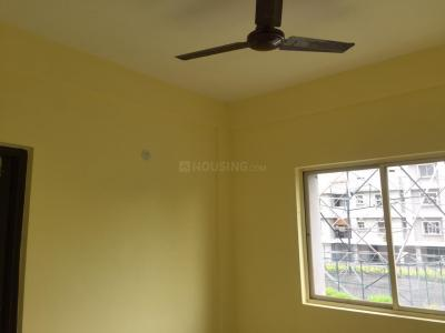 Gallery Cover Image of 850 Sq.ft 3 BHK Apartment for rent in Maheshtala for 9000