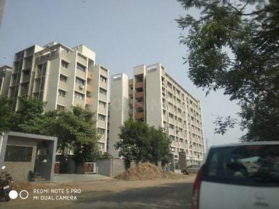 Gallery Cover Image of 850 Sq.ft 2 BHK Apartment for rent in Bopal for 10000