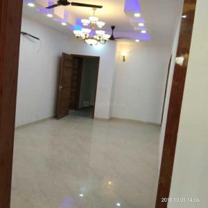 Gallery Cover Image of 1000 Sq.ft 2 BHK Apartment for buy in Shalimar Garden for 3800000