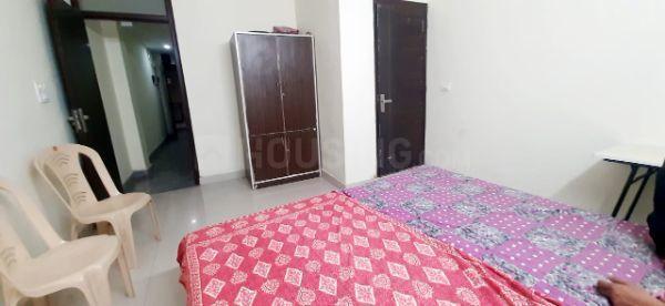 सईद-उल-अजाइब में यश पीजी में बेडरूम की तस्वीर
