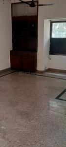 Gallery Cover Image of 1550 Sq.ft 3 BHK Apartment for rent in DDA Flats Sarita Vihar, Sarita Vihar for 32500