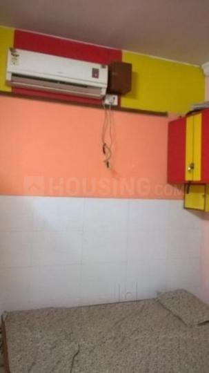 बोरीवली ईस्ट में आंगन पीजी के बेडरूम की तस्वीर