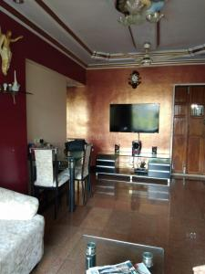 Gallery Cover Image of 1000 Sq.ft 3 BHK Apartment for buy in Borivali West for 20700000