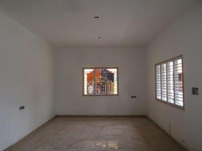 Gallery Cover Image of 1100 Sq.ft 2 BHK Independent Floor for buy in Virupakshapura for 7500000