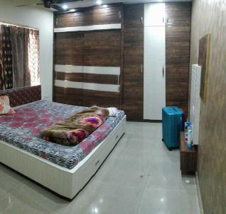 Gallery Cover Image of 1811 Sq.ft 3 BHK Apartment for rent in Kaikhali for 55000
