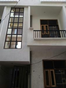 Gallery Cover Image of 550 Sq.ft 3 BHK Apartment for buy in Govindpuram for 2385400