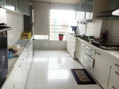 Gallery Cover Image of 1350 Sq.ft 2 BHK Apartment for rent in Colaba for 125000