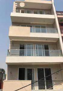 Gallery Cover Image of 650 Sq.ft 2 BHK Independent Floor for rent in Sector 7 Dwarka for 13000