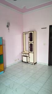 Gallery Cover Image of 1800 Sq.ft 3 BHK Independent Floor for rent in Sector 61 for 25000