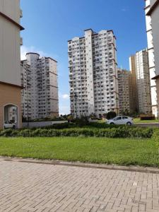 Gallery Cover Image of 2106 Sq.ft 3 BHK Apartment for rent in DLF New Town Heights, New Town for 30000
