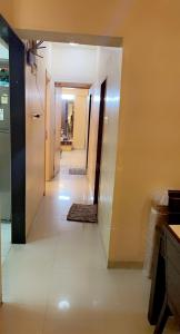 Gallery Cover Image of 850 Sq.ft 2 BHK Apartment for rent in Dheeraj Heritage Residency, Santacruz West for 50000
